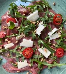 Salade/Carpaccio/dressing/brood/boter