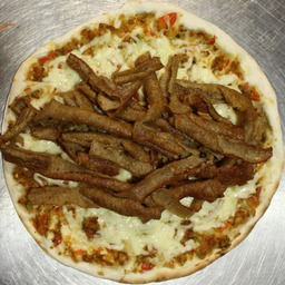 Turkse pizza kalfs doner